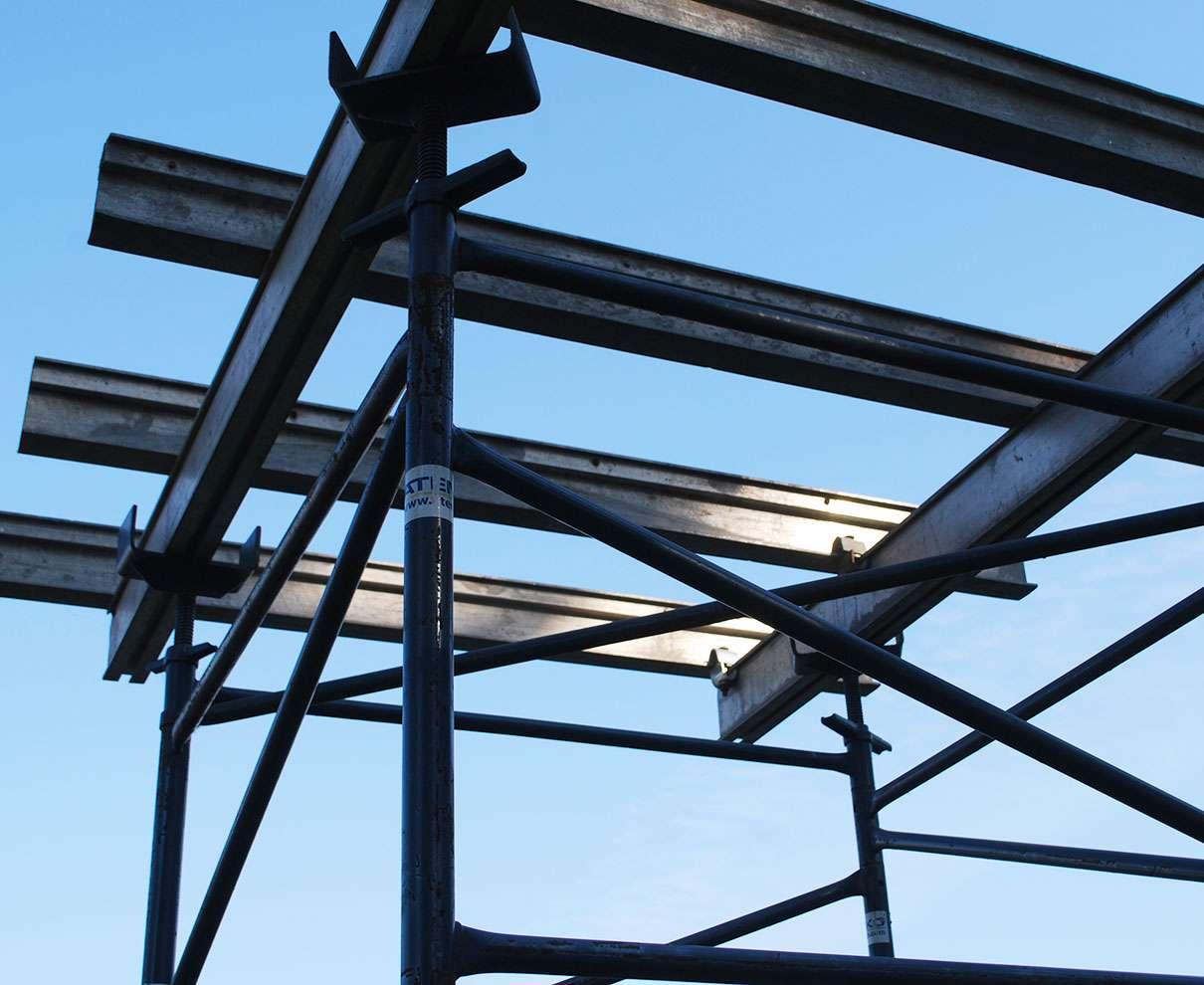 vigas de aluminio con torres encofrados de losas